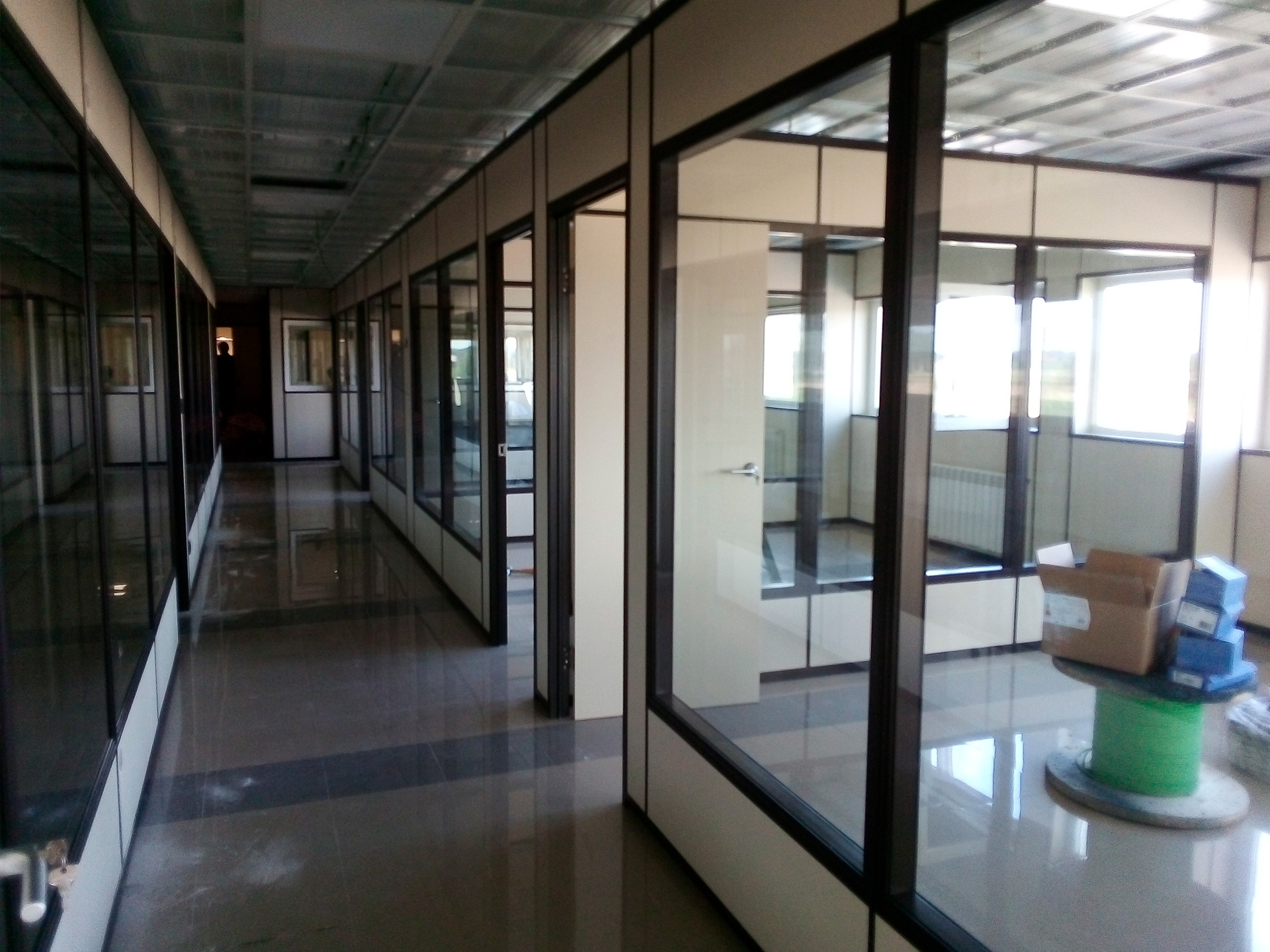 Puerta y división UR/802 - Perfilería vista
